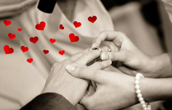 Alliances et bague de fiançailles personnalisées